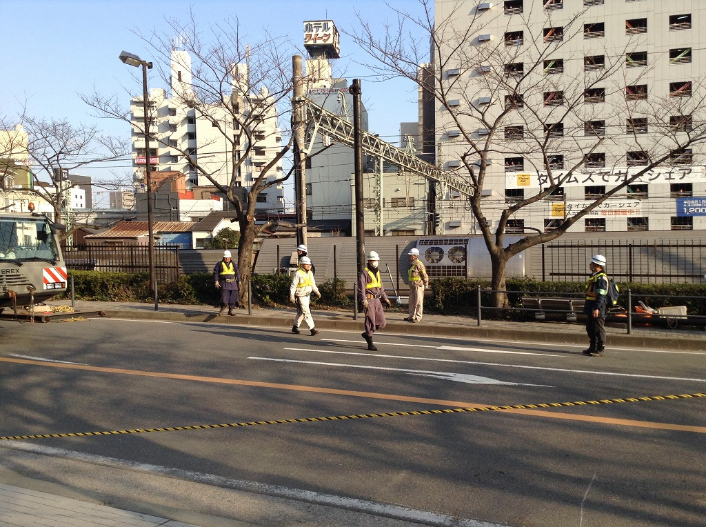 京浜東北線脱線転覆1