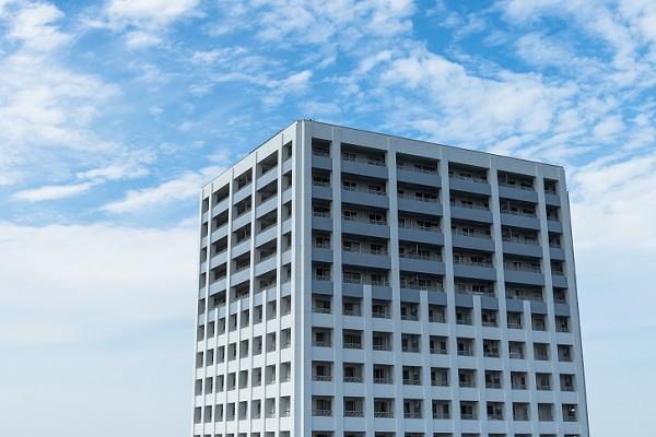 タワーマンションと空