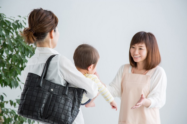 赤ちゃんを預ける