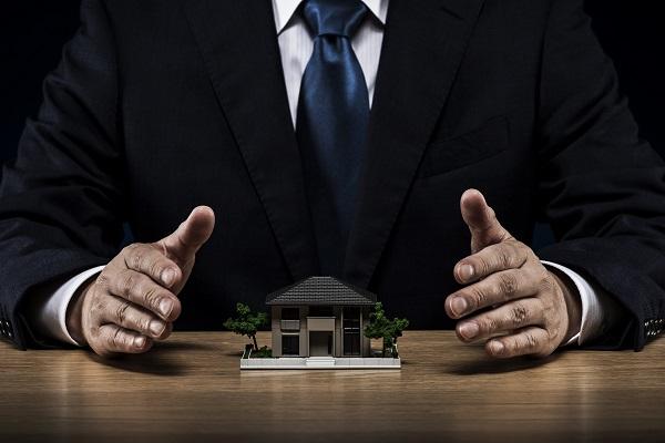 ビジネスマン 戸建住宅模型